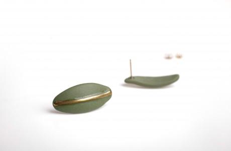 עגילי פורצלן וזהב-ירוק עד