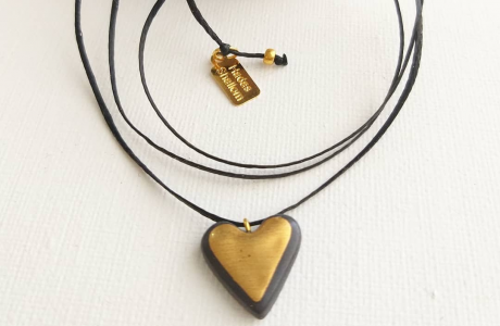 לב קלאסי-שחור זהב