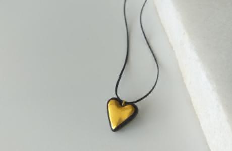 לב שחור-זהב קלאסי